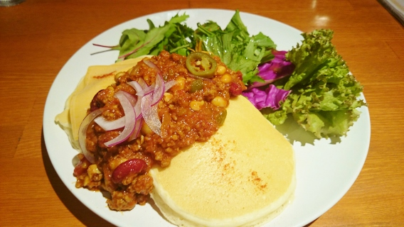 ホットチリビーンズのメキシカンパンケーキ