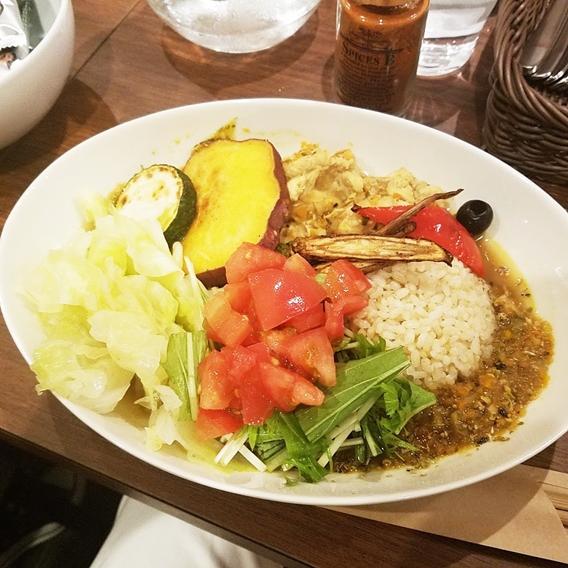 はるかなるカレー【名古屋・栄】旬の野菜たっぷりでおすすめ!独自ブレンドのスパイスがたまらない。